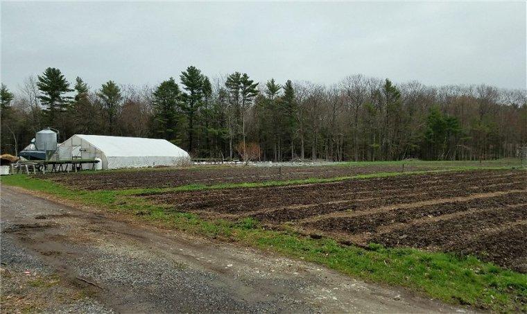 farm-cloudy