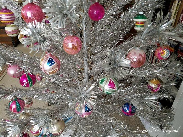 Vintage Aluminum Christmas Tree (6).jpg