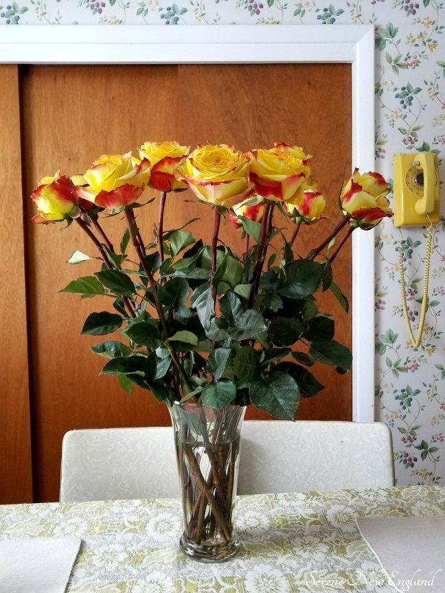 roses-yellow-phone.jpg