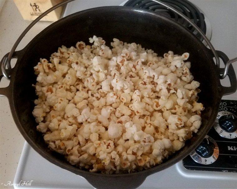 Cast Iron Dutch Oven Pop Corn